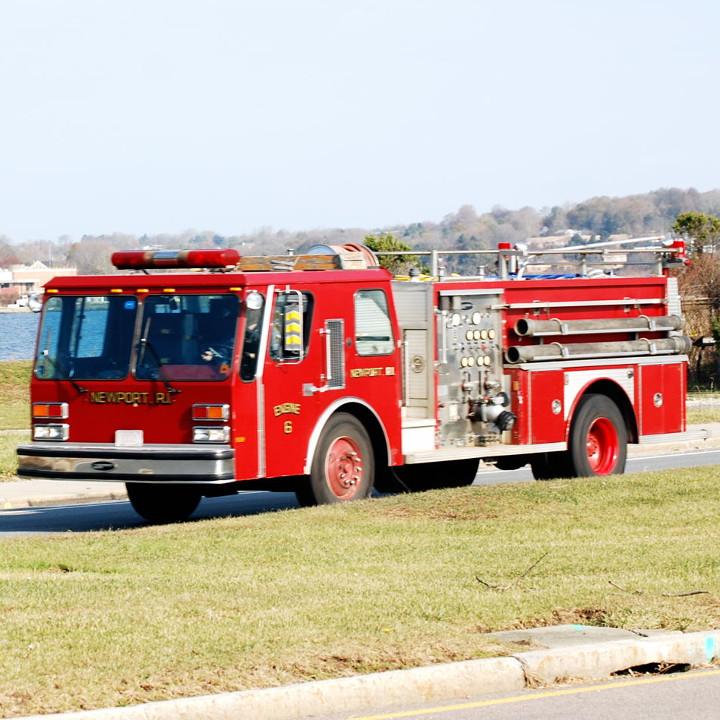 人々を危険から救う消防士